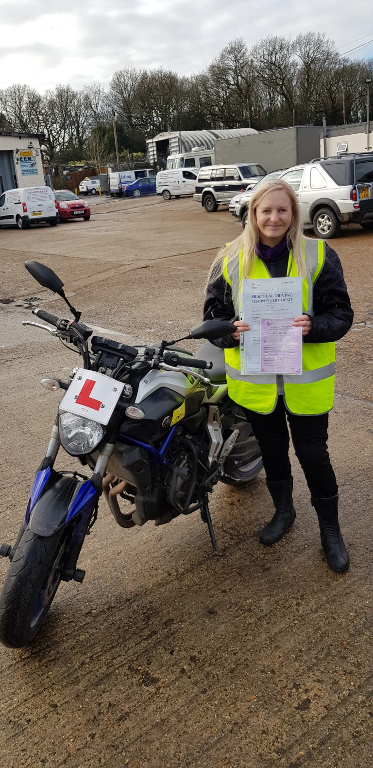 Lady biker passes DAS!